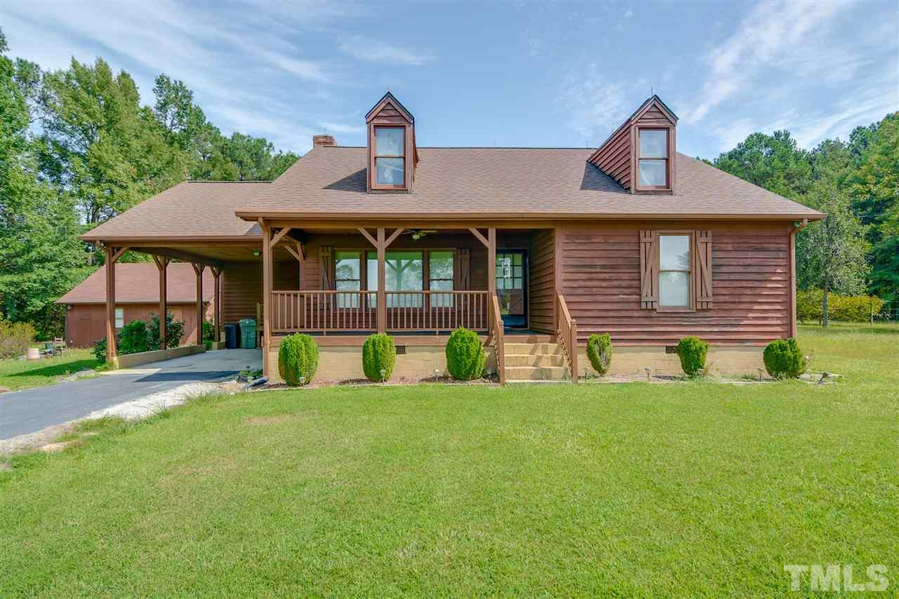 Photo of home for sale at 605 Mcgee Road, Benson NC