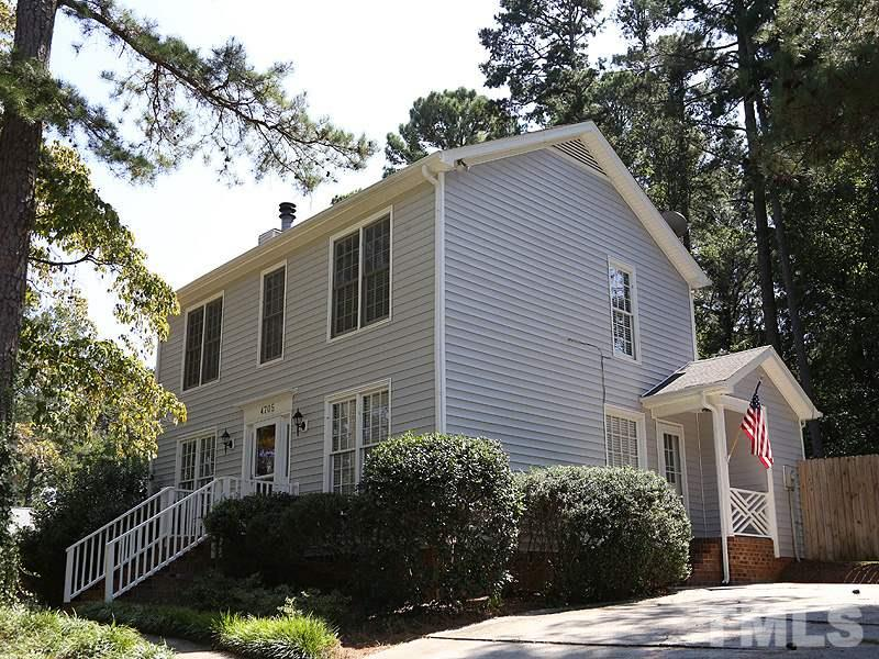 Photo of home for sale at 4705 Kaplan Drive, Raleigh NC