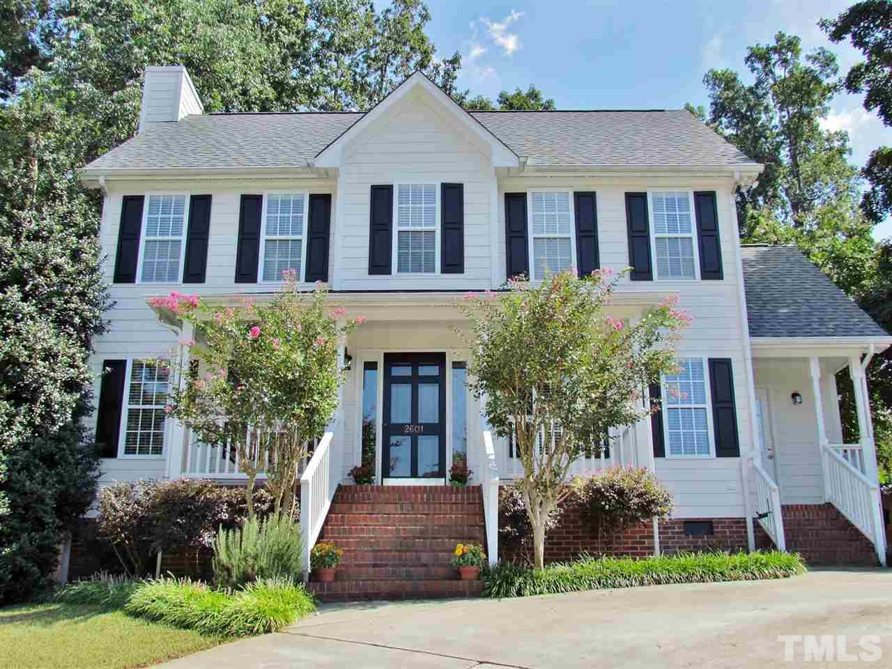 Photo of home for sale at 2601 Beehnon Way, Raleigh NC
