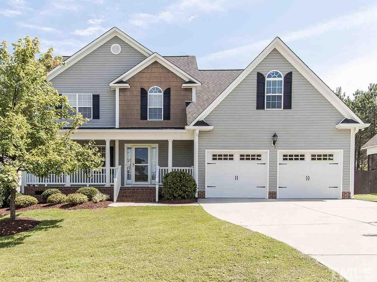 Photo of home for sale at 64 Brindley Circle, Clayton NC