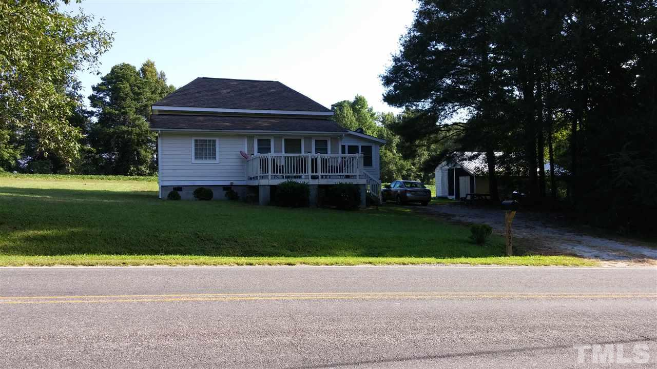 Photo of home for sale at 5992 Benson Hardee Road, Benson NC
