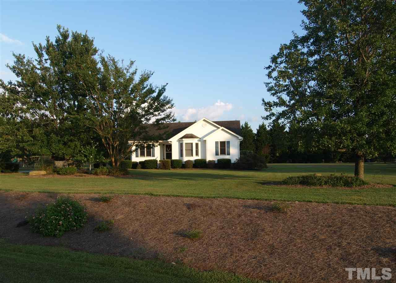 Photo of home for sale at 116 Creekstone Drive, Benson NC