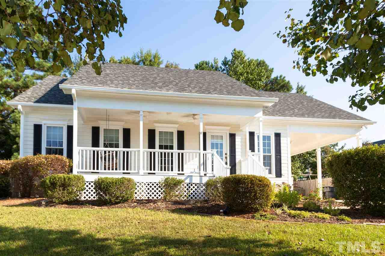 Photo of home for sale at 303 Estate Drive, Apex NC