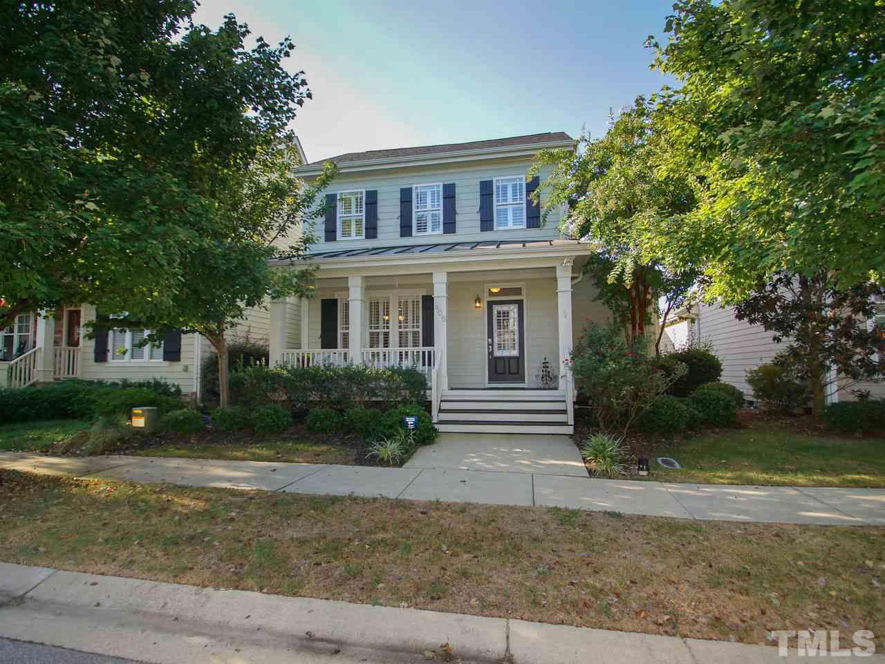 Photo of home for sale at 405 Skygrove Drive, Holly Springs NC