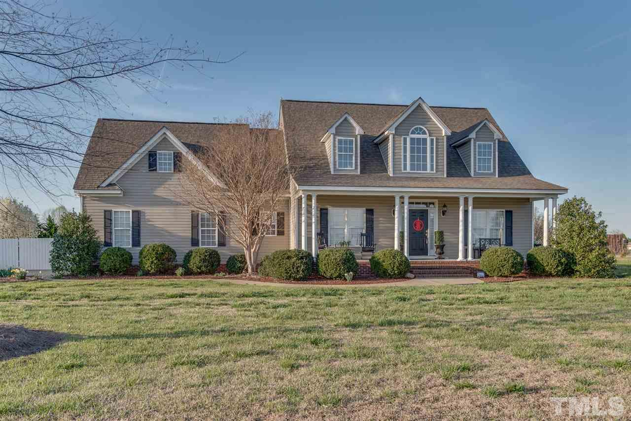 Photo of home for sale at 672 Hunters Pointe Road, Nashville NC