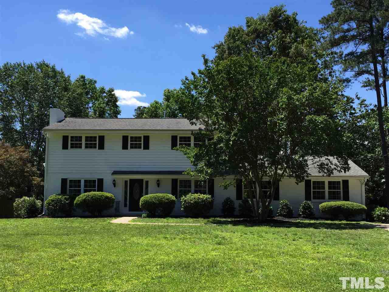 Photo of home for sale at 4305 Boxwood Road, Raleigh NC
