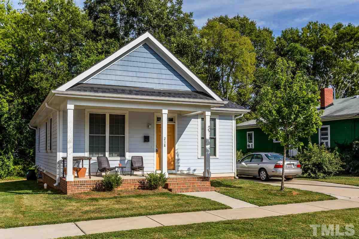 Photo of home for sale at 218 Idlewild Avenue, Raleigh NC