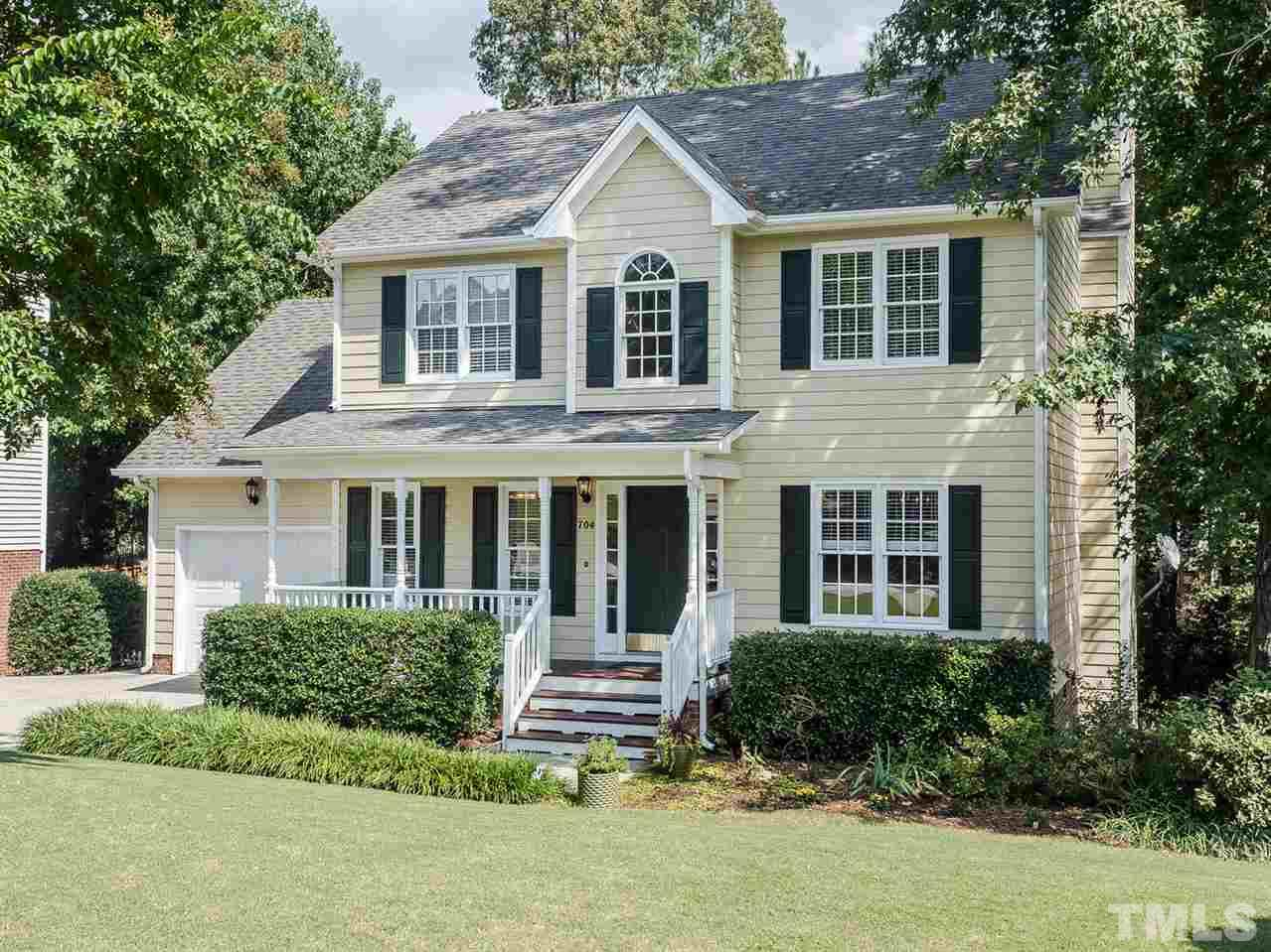 Photo of home for sale at 704 Bristol Blue Street, Apex NC