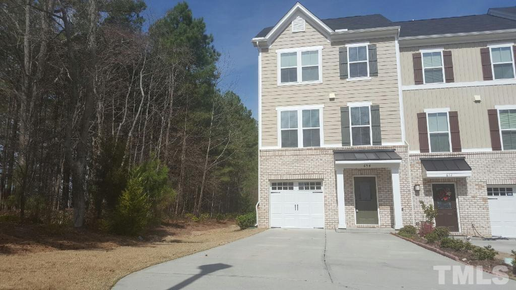 654 Berry Chase Way, Cary, NC 27519