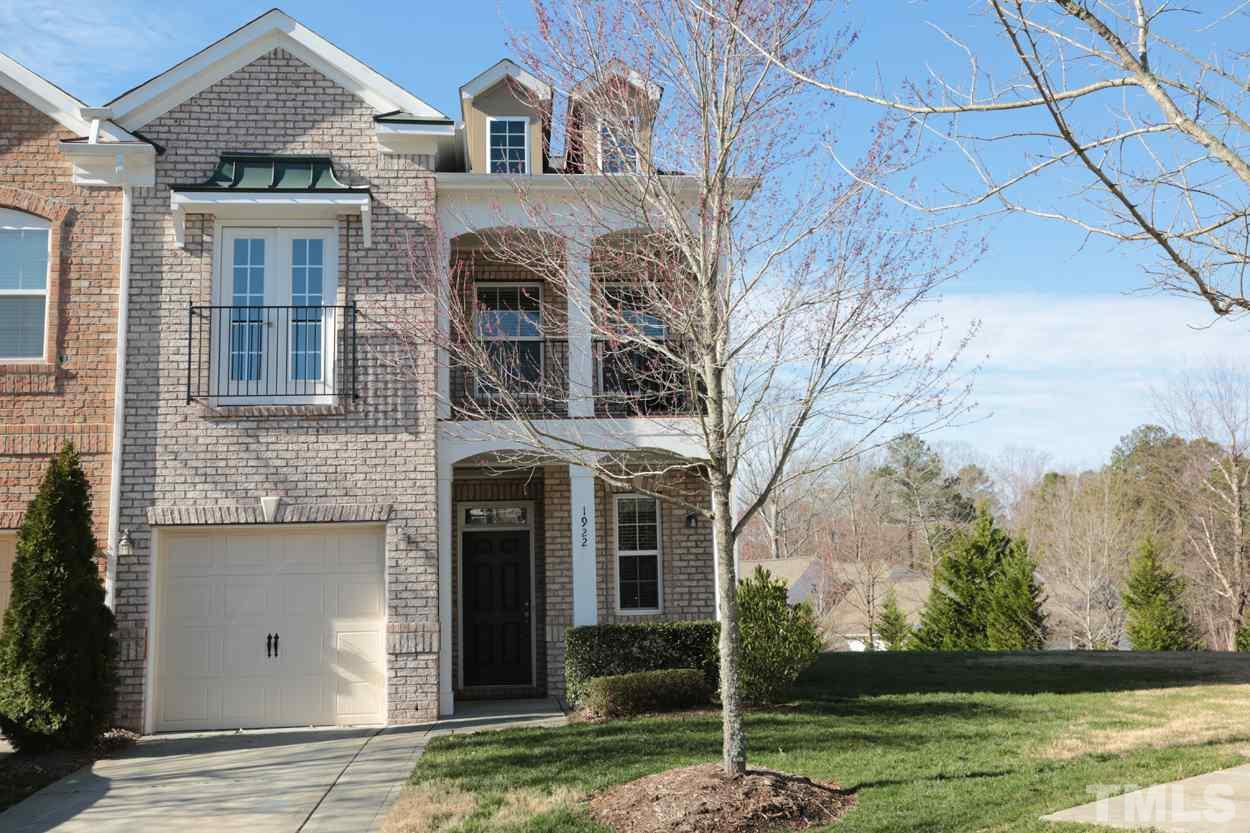 1922 Whirlaway Court, Cary, NC 27519