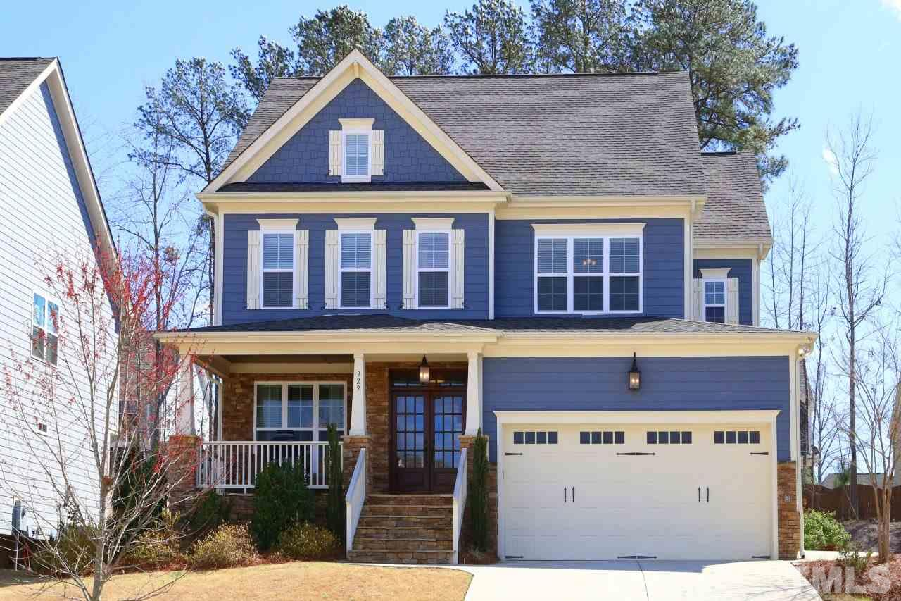 929 Hollymont Drive, Holly Springs, NC 27540