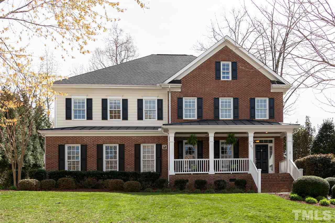 101 McLeod Forest Circle, Holly Springs, NC 27540