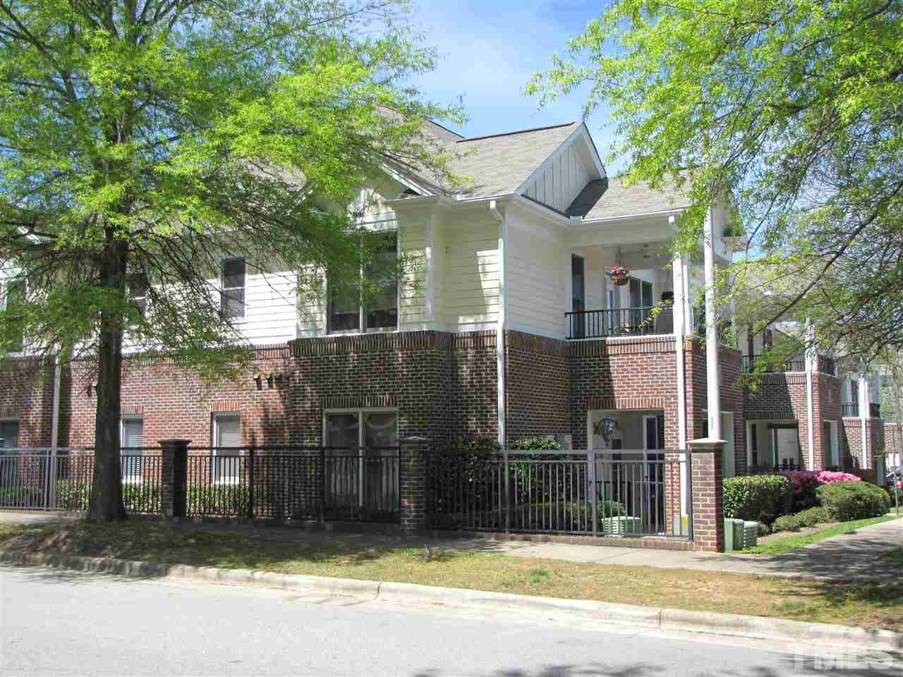 800 Savannah Ridge Road, Holly Springs, NC 27540