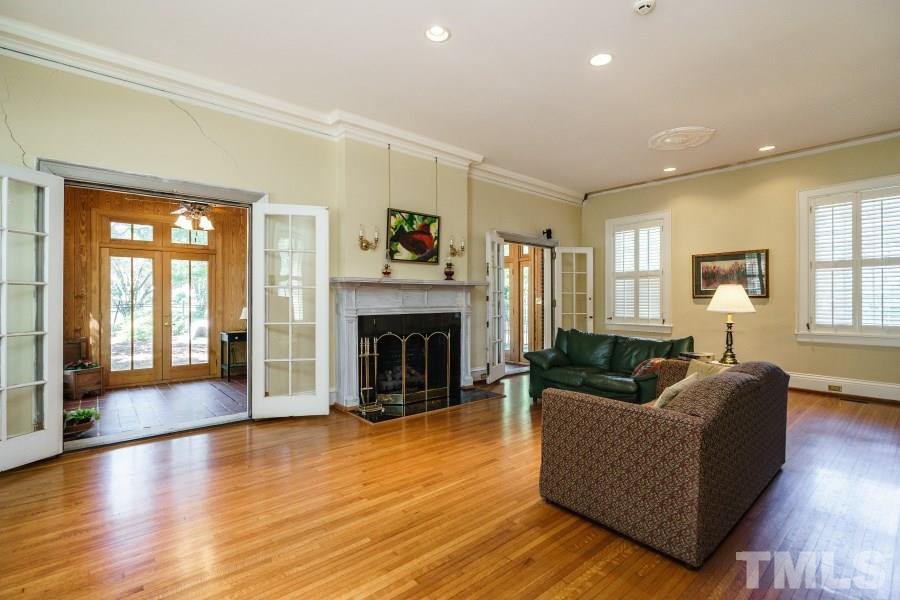 821 WAKE FOREST ROAD, RALEIGH, NC 27604  Photo