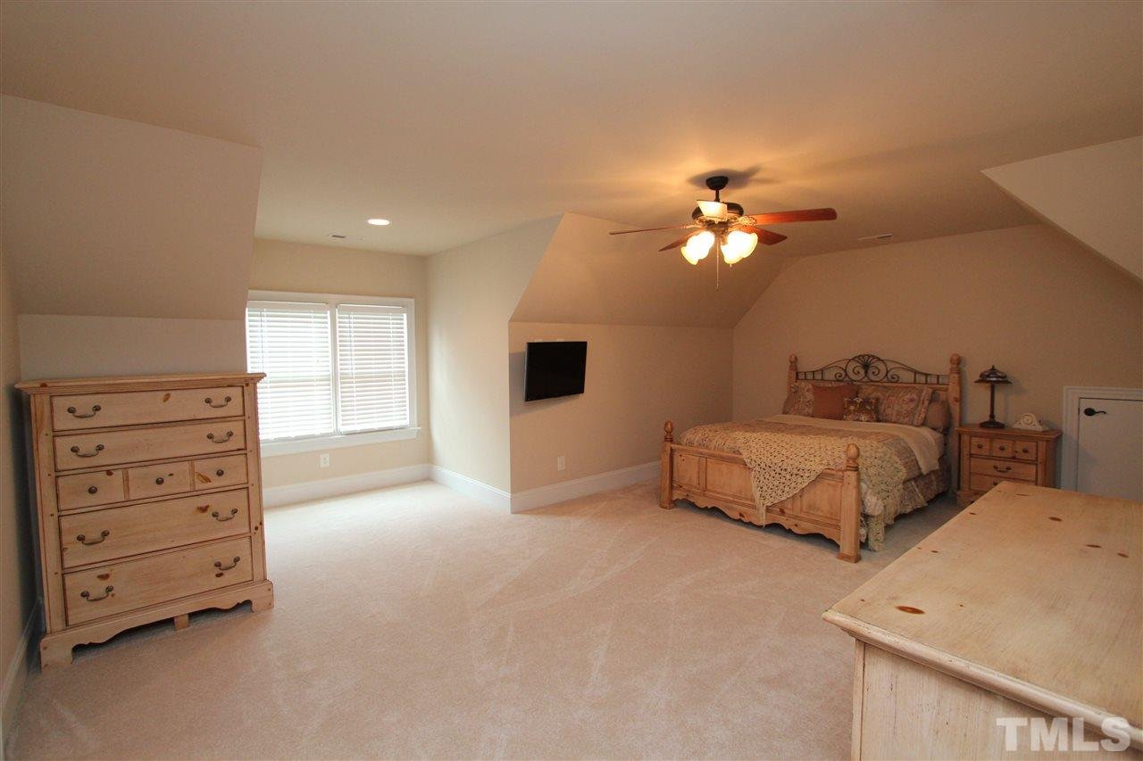 5201 WINTER HOLLY COURT #11, RALEIGH, NC 27606  Photo 17