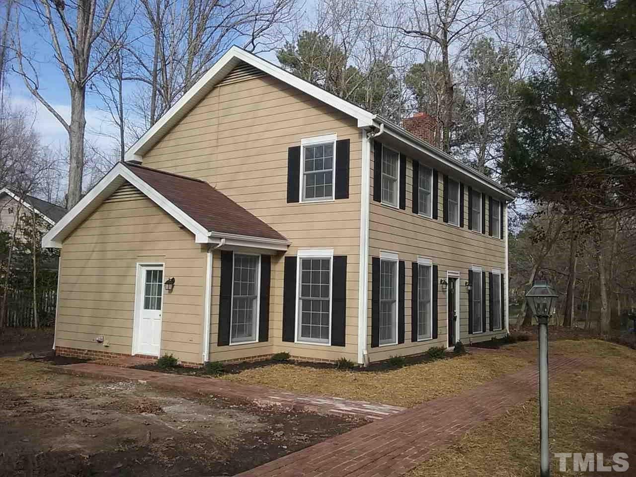 2 Elmstead Place, Chapel Hill, NC