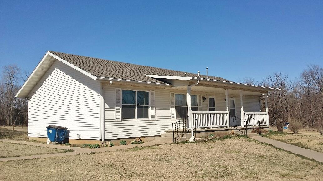 Great/clean 3 bedroom, 2 bath home located on the south edge of Burden. 75.1 acres of great, native