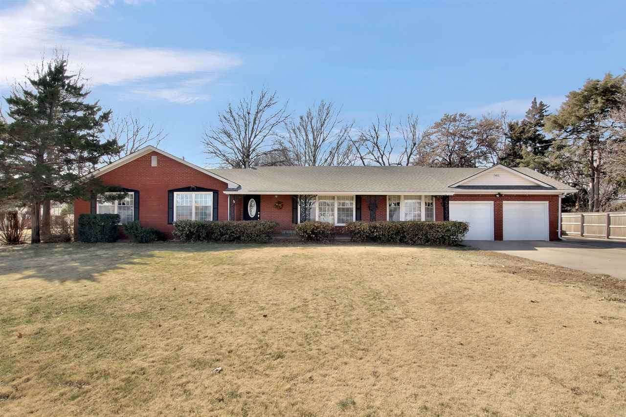 1411 s maize for sale 548068 wichita coldwell banker plaza real 1411 s maize for sale 548068 wichita coldwell banker plaza real estate falaconquin