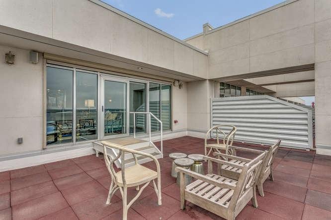 For Sale: 515 S Main St Apt 508, Wichita KS