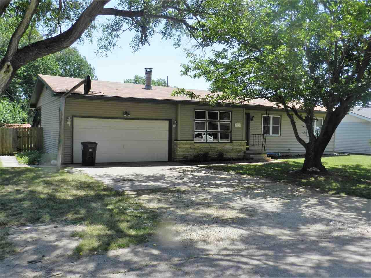 312 N Hunton Rd, El Dorado, KS 67042