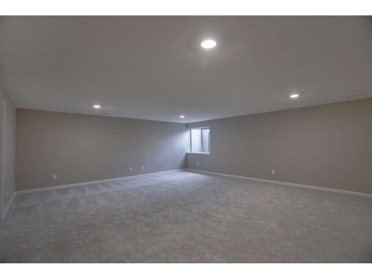For Sale: 1501 N Aster St, Andover KS