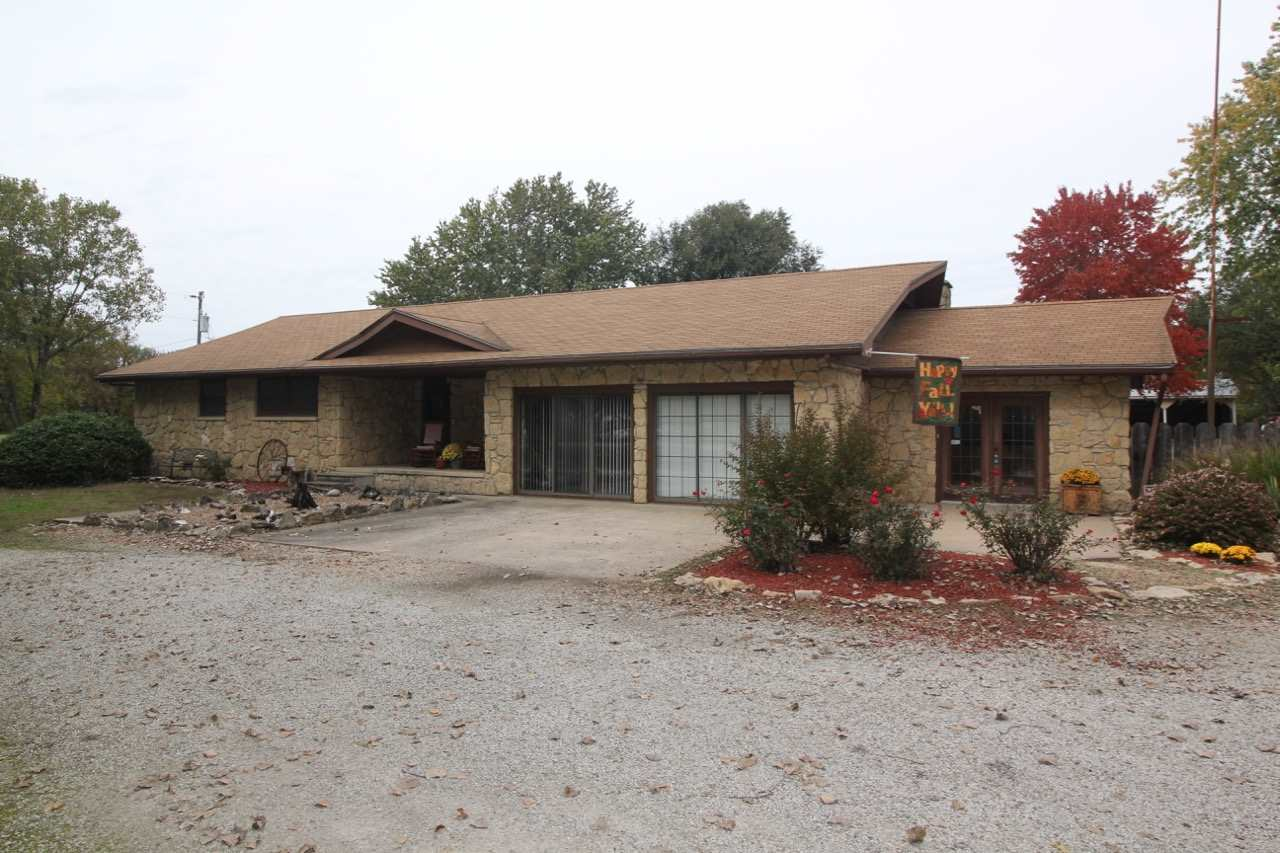 1633 15th St, Severy, KS 67137