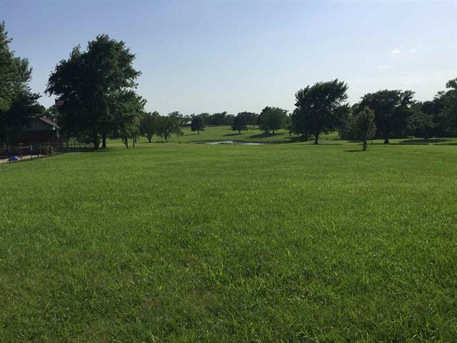 For Sale: 1049  Country Club Dr, Eureka KS