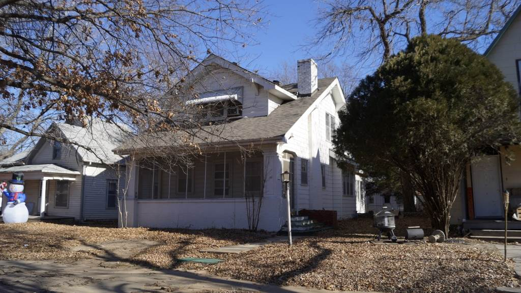 For Sale: 520 N B ST, Arkansas City KS