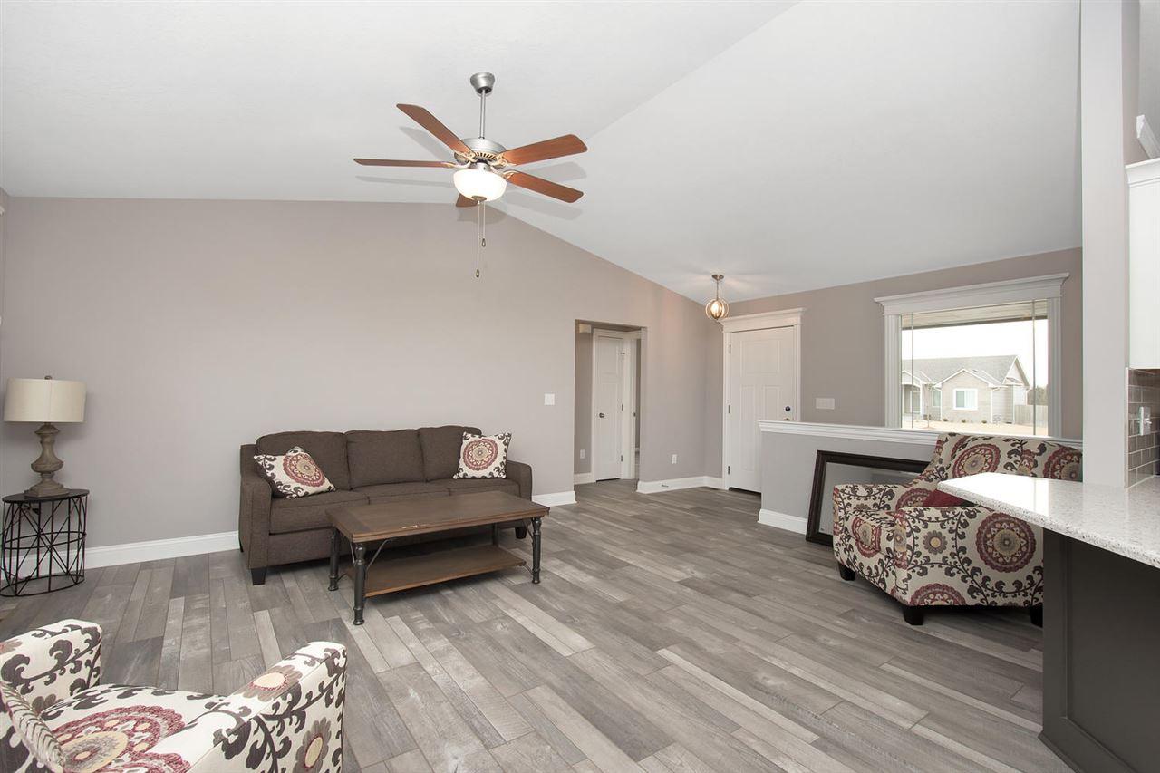 For Sale: 928 N Oak Ridge Ave, Goddard KS