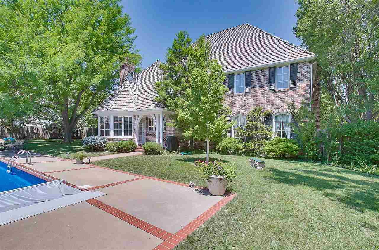 For Sale: 813 N Linden Ct, Wichita KS