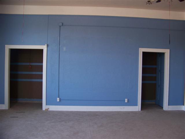 For Sale: 400 S MAIN, Newton KS
