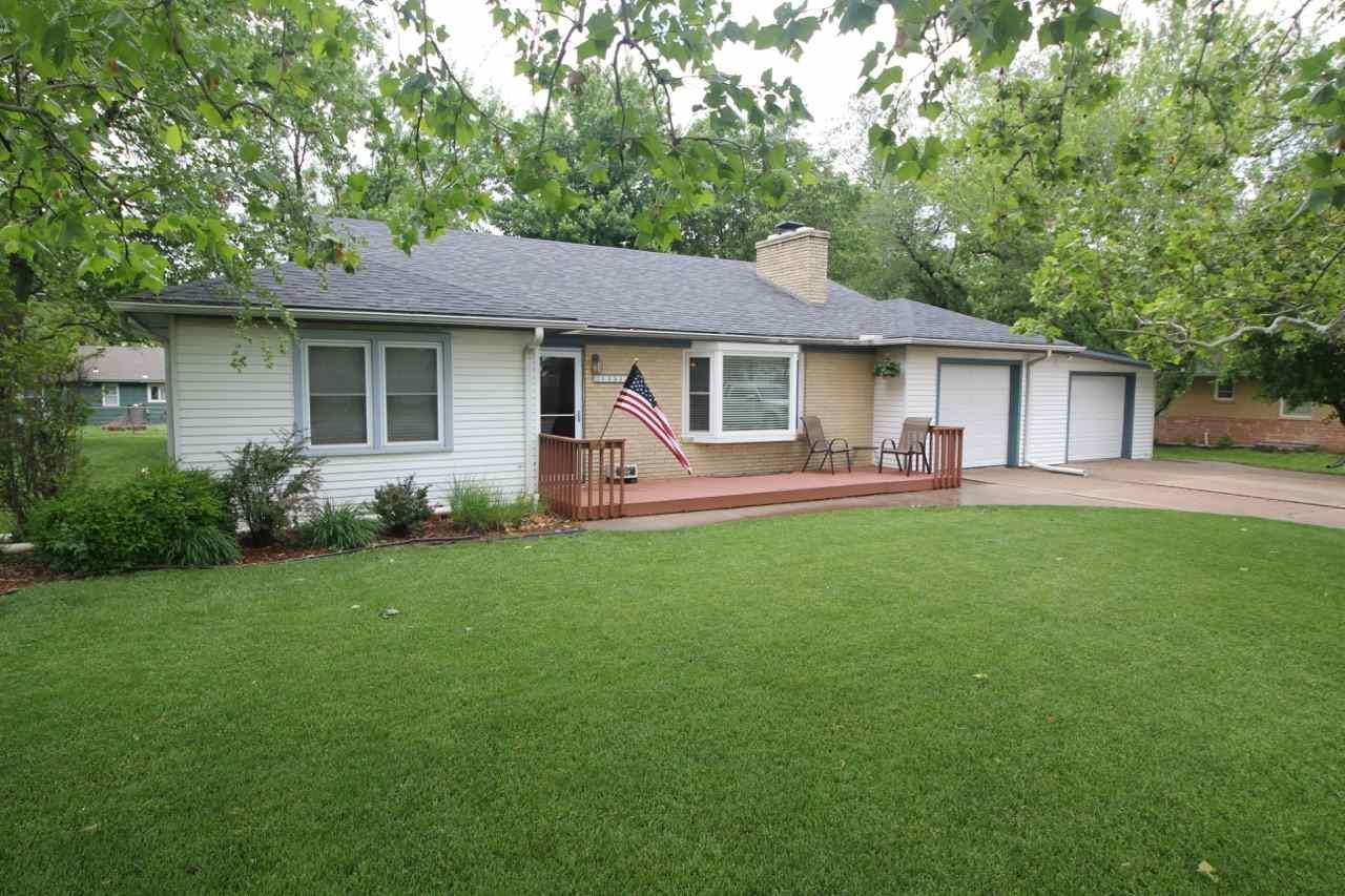 1351 Country Club Rd, El Dorado, KS 67042