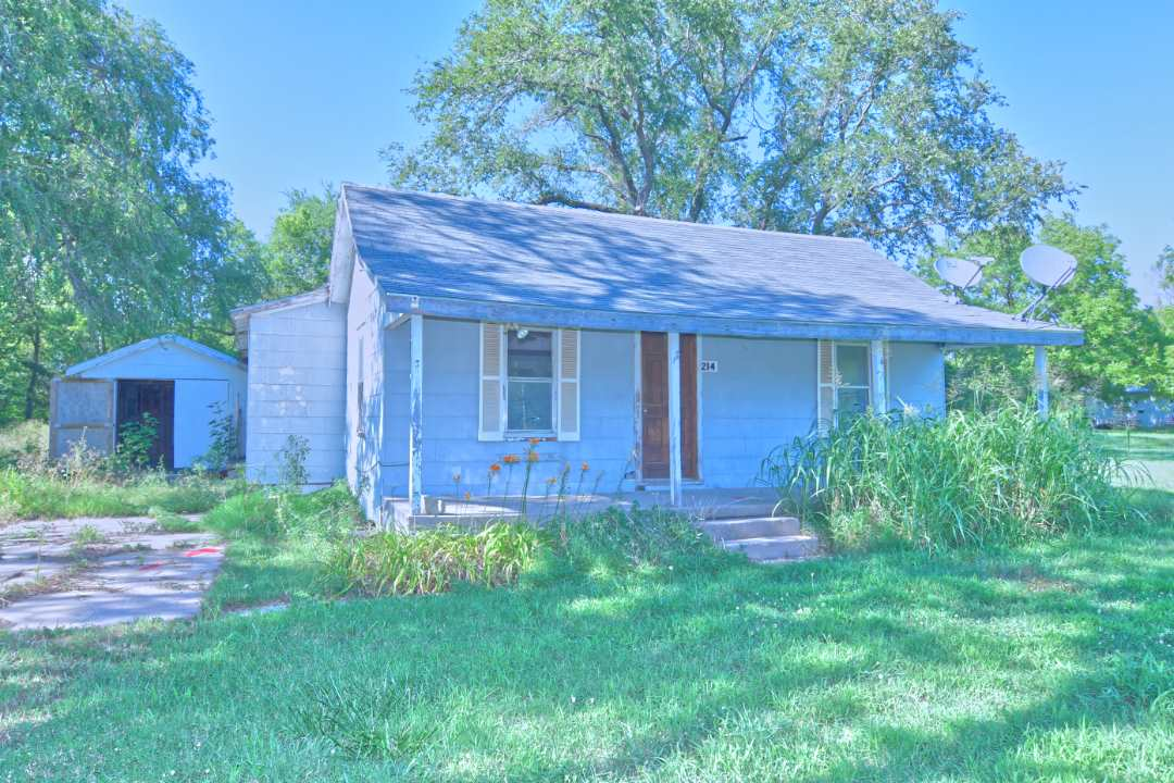 214 SW 100th St, Augusta, KS, 67010