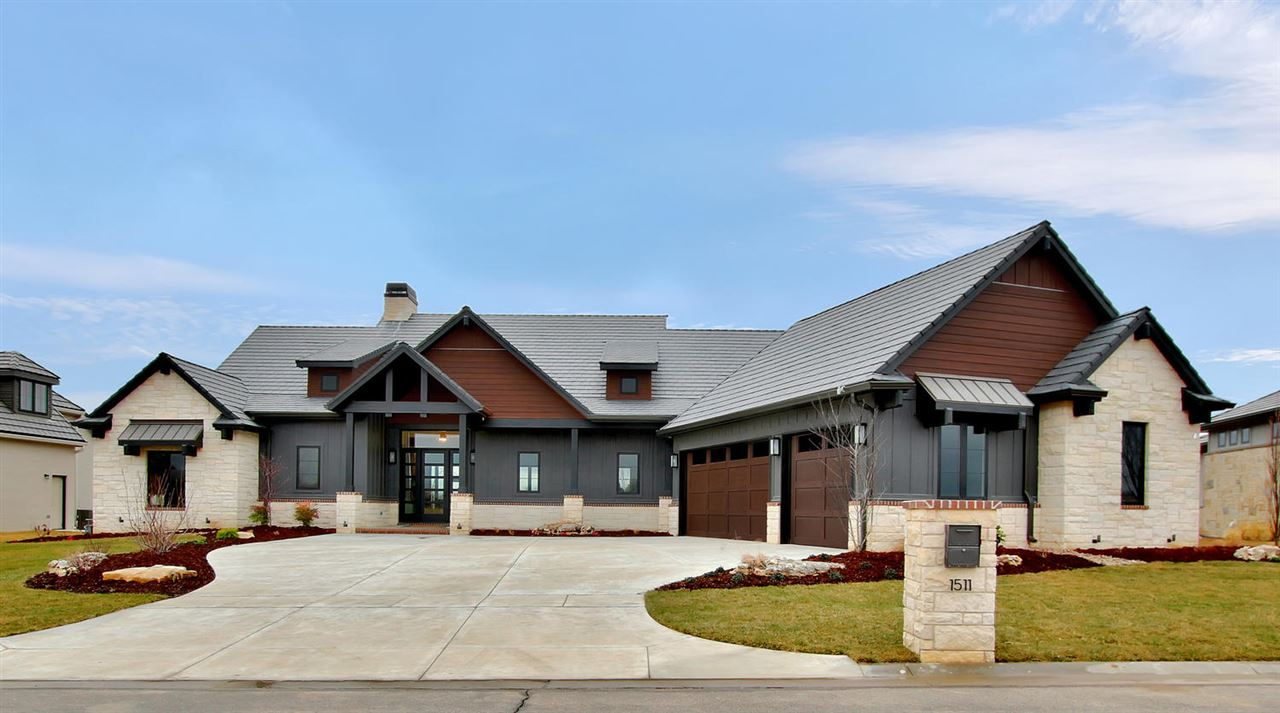 Parade of Homes Pick of The Parade Winner!!  This Modern Mountain design by Blair Construction is a