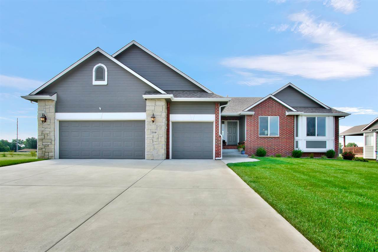 Motivated sellers will entertain all offers!!  Great home in desirable Sand Creek Station Developmen