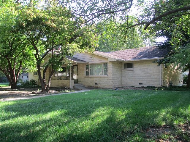 For Sale: 1000  Anderson Ave, Newton KS