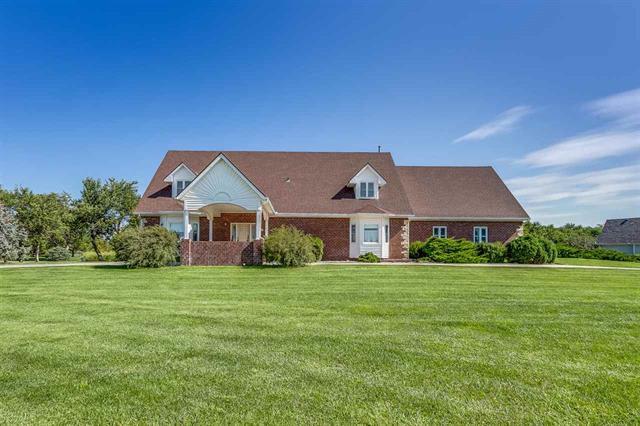 For Sale: 48  Parkview Rd, Hesston KS