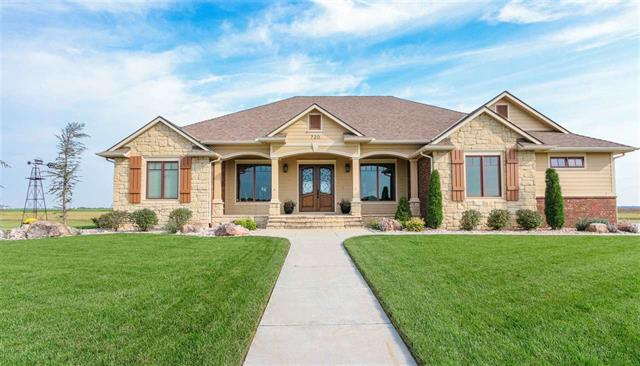 For Sale: 720 E Wheatridge St, Pretty Prairie KS