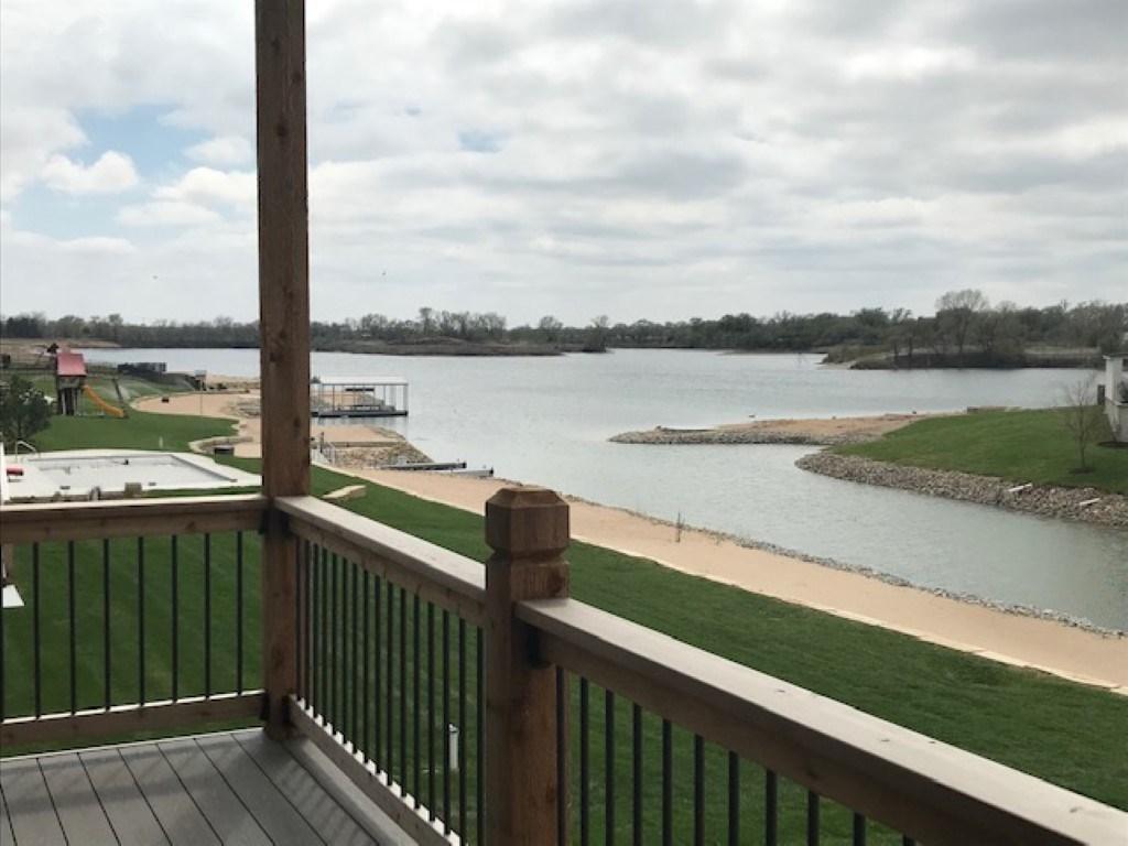 2525 N Paradise St, Wichita, KS 67205