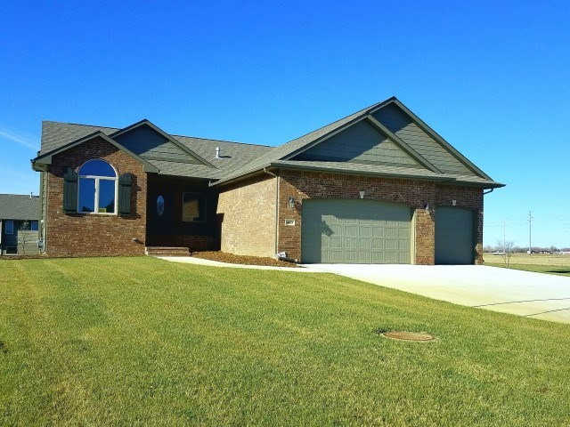 For Sale: 4863 N Emerald Ct, Maize KS