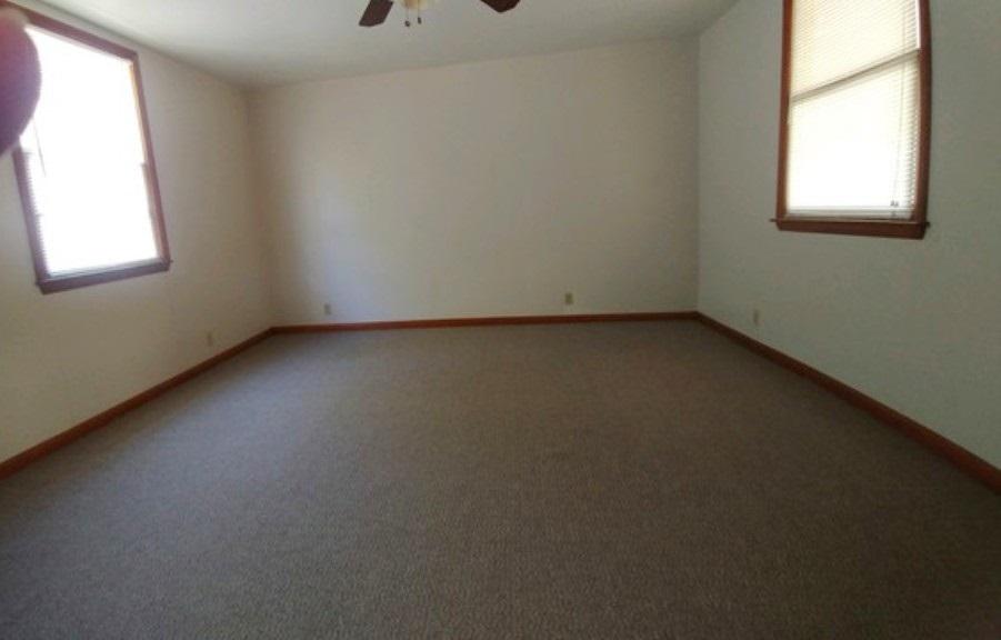 For Sale: 322 W Eleventh, Harper KS