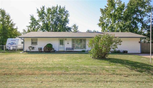 For Sale: 513 W 1st St, Udall KS
