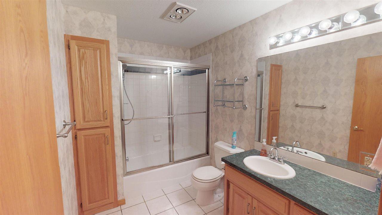 For Sale: 210  Kingsway, Hesston KS