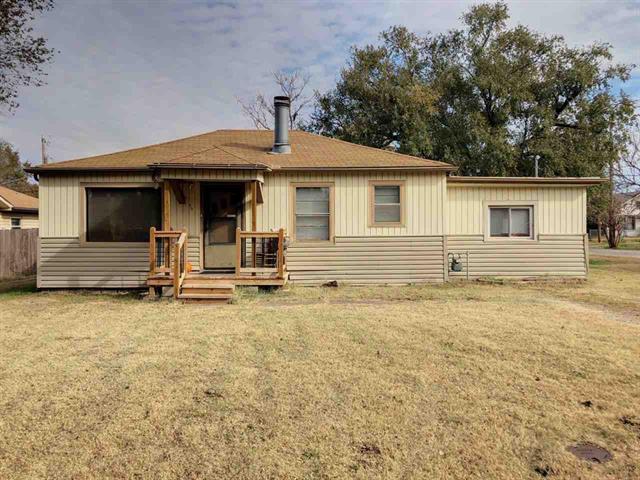 For Sale: 410 N Kansas St, Benton KS