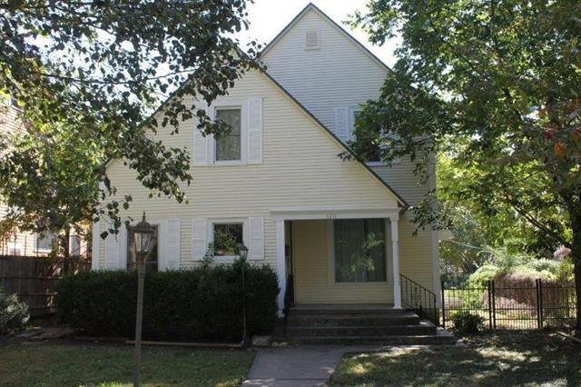 For Sale: 1211 E 10th, Winfield KS