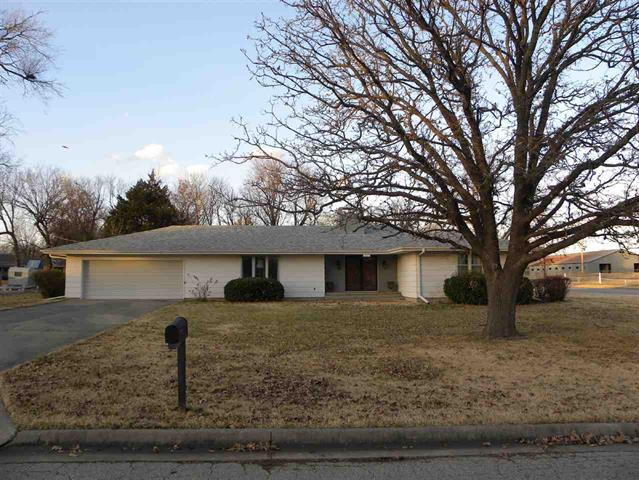 For Sale: 1020 E 1st St., Eureka KS