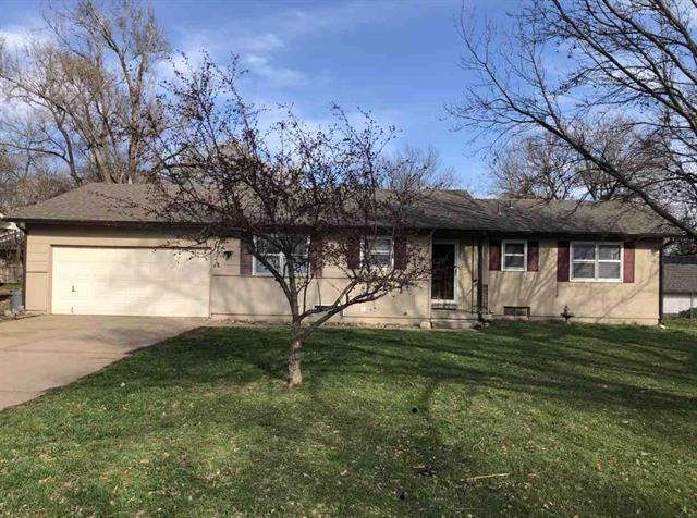 For Sale: 210 N 1st St, Clearwater KS
