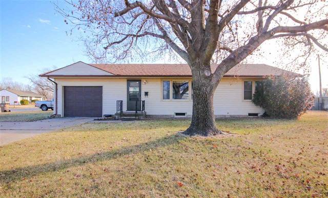 For Sale: 1712  Tyler St, Hutchinson KS