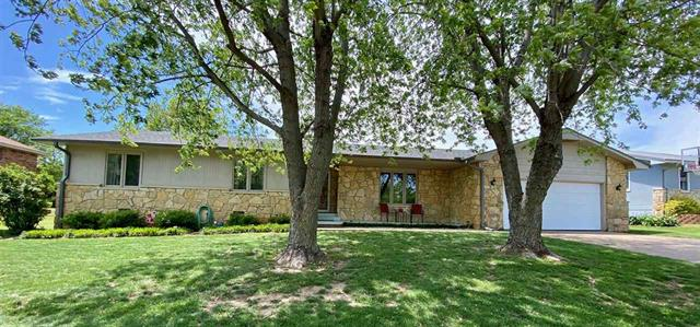 For Sale: 2697  Valley View Dr, Arkansas City KS