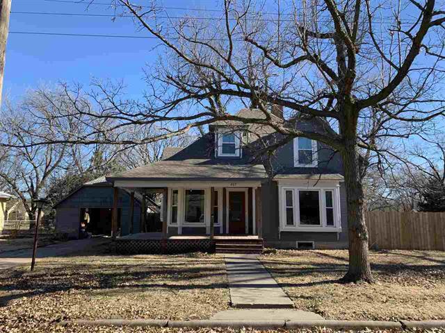 For Sale: 602  Santa Fe St, Newton KS